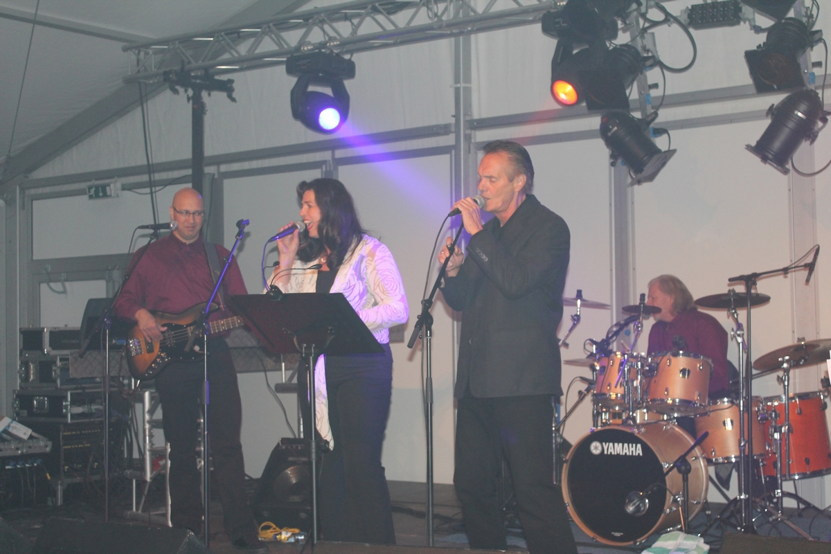 Windfall_tijdens_afterparty_openingsshow_Oudewater_750_jaar_Stad
