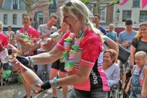 Oudewater_Ladies-ride_Joke-Vermeij_Parijs -Oudewater 22-5- 28-5-2016 2600 (2521)